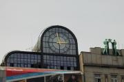 Praha-Můstek, fasádní hodiny o průměru 4 m