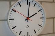 Interierové analogové hodiny TREND