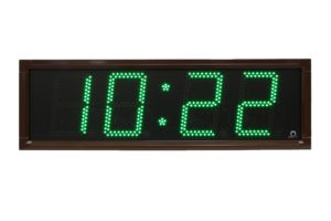 Venkovní nástěnné hodiny řady DE s hnědým rámečkem